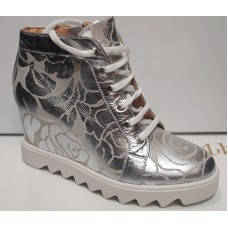 Модные сникерсы кожаные серебро 0170УКМ